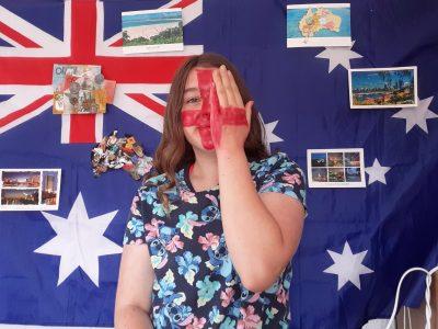 Rohrbach-lès-Bitche collège Jean Seitlinger  J'adore l'Australie et j'aimerais mis rendre un jour je collectionne des cartes postale et autres comme des vêtement que ma soeur me ramène la bas tout comme l'Angleterre l'anglais est une très belle langue et j'adore en apprendre un peu plus.