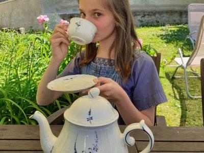 """""""A cup of tea?""""  - Collège l'Astrée, Boën-sur-Lignon (42130) -"""