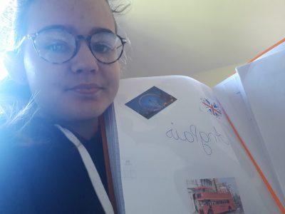 saint saulve collège notre dame  voila ce qui me fait penser a l anglais mon cahier d anglais bien sûr!!! :) merci pour avoir organisé le concours en ligne au revoir