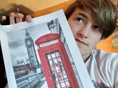 Collège des mille étangs, Melisey  j'ai choisi cette photo car pour moi les deux symboles emblématique britannique sont les cabine rouges et BigBen ;-)