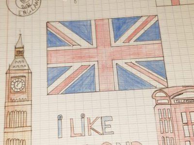 Ville de st paul la reunion,collège celimene gaudieux  sur cette photo est représenter le drapeaux de l'angleterre , le big ben , une cabine téléphonique rouge d'angleterre.