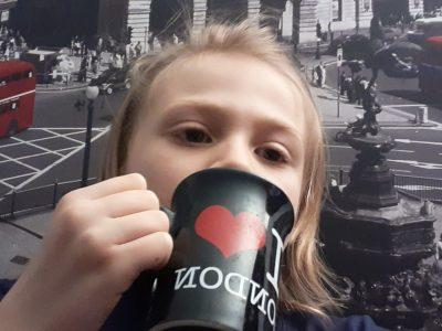 Strasbourg  Louise Weiss À Londres un dimanche matin en buvant son café.