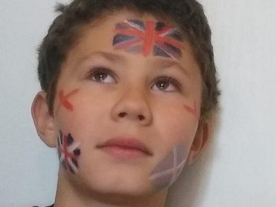 Lucas Chaigneau à alençon au collège notre dame : fusion des drapeaux anglais