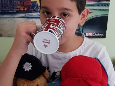 Chaville, Collège Saint Thomas de Villeneuve. Tea time with my teddy bear