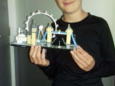 NANTIAT Collège Maryse Bastié photo de Légo architecture Big Ben et du pont de Londres et la grande roue.