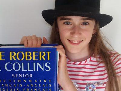 ST-WINOC  Bergues  Voici le dictionnaire de haute gamme British à ne consulter qu'avec un chapeau haut de forme !