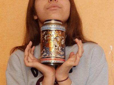 Lycée Notre Dame De La Providence, Rue de Fontenay, Vincennes  J'ai apporté cette boite de thé de mon dernier séjour a Londre .