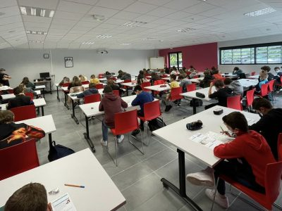 Les élèves de 6è du collège des trois vallées à Vergt ( 24380) en pleine épreuve!