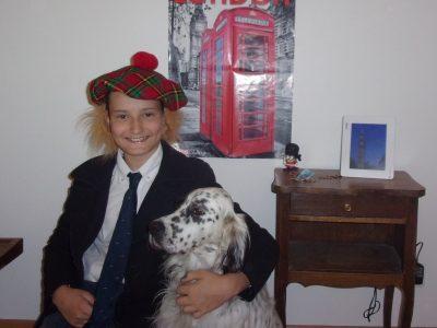 Notre dame d'Orveau nyoiseau joseph de Cacqueray  mon chien Ictus : seter anglais connu par tous les élèves d'Orveau  slt les 6e