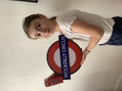 Ville :Paris Nom:Rose Le Henry Collège:Rocroy Saint Vincent de Paul  Souvenirs de mon dernier voyage à Londres !
