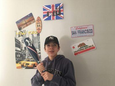 Marly la ville,collège Françoise Dolto. J'ai utilisé certains objets décoratifs de ma maison qui rappellent le thème de la langue anglophone particulièrement, l'Amérique!!
