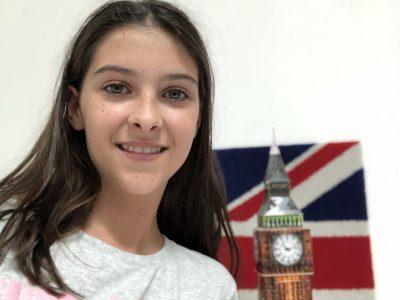 Ma ville est Bordeaux et mon établissement est Sainte Marie Grand Lebrun. Sur la photo il y a  Big Ben en puzzle 3D et un drapeau anglais. Cela me rappelle l'Angleterre.