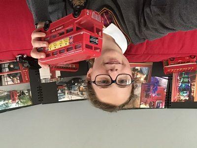 Notre-Dame Providence à Enghien-les-Bains  Souvenirs d'un Week-end à visiter Londres dans ces fameux bus rouges.