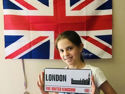 Lavenu Victoria 6F collège St François De Sales (Chambéry) Savoie.  J'aimerais  beaucoup visiter l'Angleterre.Quand je pars à l'étranger visiter est essentiel pour moi sinon nous partons dans pays sans connaitre sa culture. The United Kingdom est l'un des monuments le plus importent de Londre. On this document I sea an English flag.