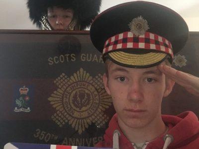 Montembeuf  Le petit mairat  Mon père a été dans l'armée anglais, écossaise et garde de la reine d'Angleterre donc j'ai pris quelques objets qui lui appartient