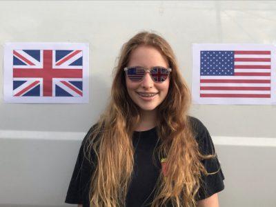 I love English and America♡  J'habite à Béziers, je suis au collège Saite Madeleine.