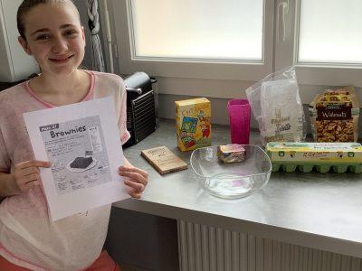 Sanary-sur-Mer - collège La Guicharde  Commentaire : Aujourd'hui je vais faire un brownie qui est typiquement anglais.