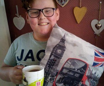 AVION Collège Jean Jacques ROUSSEAU bons souvenirs de mon voyage en Angleterre... I like tea