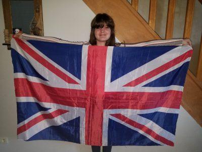 Mouroux et le Collège George Sand Me voila avec le drapeau que j'ai arracher a l'Angleterre. Marine Seaux 6.2