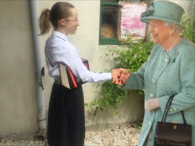 Nimes collège Emmanuel D'alzon   Petit montage en honneur à la reine Elizabeth. ❤️❤️❤️