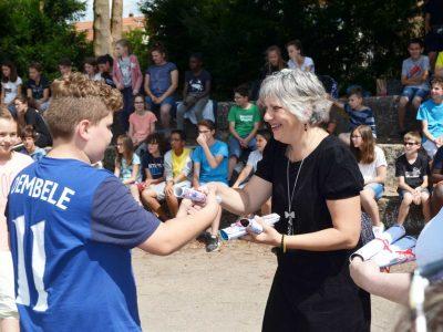Séminaire de Jeunes, Walbourg. A 6ème student receiving his prize