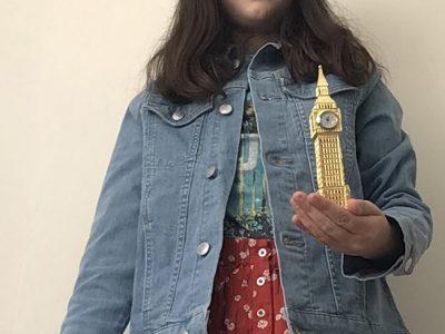 Bonjour Je suis au collège la Salle Lille J'ai prix une photo avec un mini Big Ben car sa me fait pensée a l'Angleterre  Célestine Dubois 6°4
