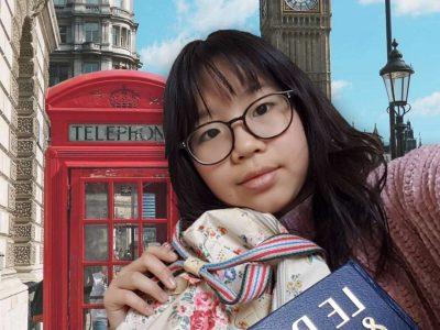 Je vis à Paris et je suis au collège Charles Péguy. J'ai mis en fond le Big Ben, et je tiens de les bras un dictionnaire français-anglais / anglais-français et un sac de marque londonienne. J'espère gagner le gros lot , même si le plus important reste de participer ^^ !