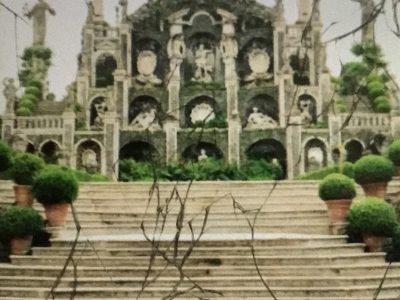 Sainte croix des neiges: Abondance: Ceci est une photo d'un monument d'une petite île du lac Maggiore.