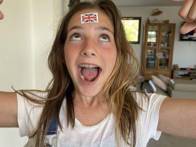 Cargèse Camille Borossi Je n'ai jamais pu aller en Angleterre mais ce drapeau ma donné un avant gout pour l'avenir