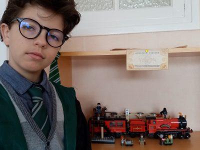 """Mondeville, Collège Gisèle Guillemot.   """"Prochaine rentrée ? Pas au collège, mais à Hogwart"""