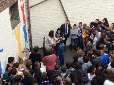 Remise de prix dans la cour du collège Ste Marie à Rouen Félicitations à tous!