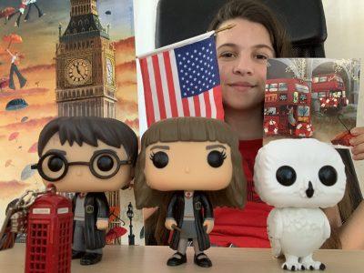 """PONTOISE, NOTRE DAME DE LA COMPASSION Rejoignez-moi à Londres avec Harry Potter ! Nous irons visiter Big Ben en """"double-decker"""" puis nous appellerons nos amis américains depuis une cabine téléphonique. Let's go!"""