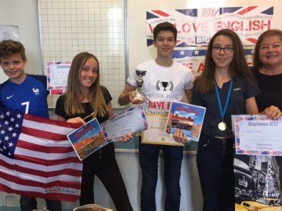 Voici les 3 meilleurs de la classe 53 avec la coupe départementale!!!! Collège St Joseph du Parchamp de Boulogne Billancourt. Merci! Mme Cichowlas