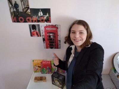 HARLY  Collège Anne-Frank  Uniforme britannique, photos, livres, jeu… Tout y est. L'amour de Londres est là !