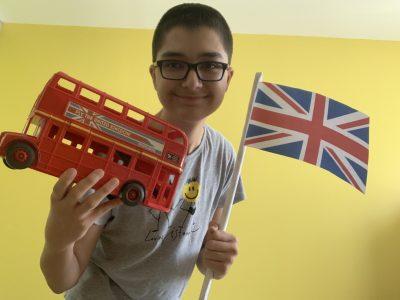 ST Vallier , collège Nicolas Copernic 71230 . I love United Kingdom!!! Vive le Royaume Unis !!!