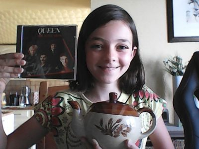 """PHALSBOURG 57370 - Collège Saint-Antoine                       Tea Time while hearing """"The Queen"""", it's the best moment of the day!"""