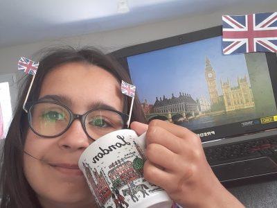 Saint Philbert de Grand Lieu collège Lamoricière. Ma photo est une photo du royaume uni avec big ben, 2 petits drapeau du royaume uni sur mes lunette, un drapeau du royaume uni a coté de big ben et une tasse de Londres.