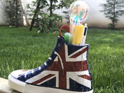 Courbevoie Collège Georges Pompidou Voici la chaussure Anglaise dans un jardin ! Chloe Brionne 6B