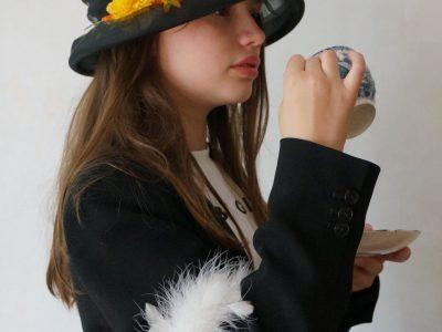 """CHAVILLE - Saint Thomas de Villeneuve  It's tea time my Dear"""""""