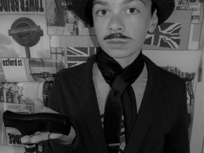 COLLÈGE SAINT JOSEPH A WATTRELOS  Voici une photo de Charlie Chaplin. Figure emblématique du cinéma muet.  Baptiste Notte-Delaby.  Je ne souhaite pas que ma photo soit publiée. Merci.
