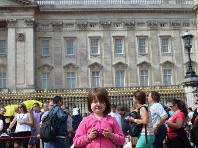 Varces Allière et Risset  Jules Verne  Moi devant Buckimgham palace