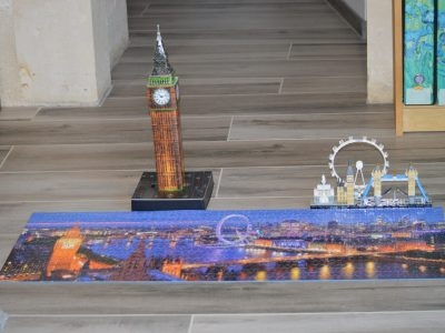 Bonjour Je suis dans le Collège Jean Vilar à La Crèche. Un puzzle mille pièces pour passer le temps, et en même temps visiter Londres, avec le beau Big Ben illuminé.❤I love Big Ben and London❤