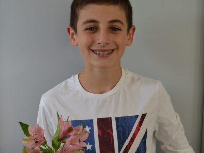 Saint Martin de Seignanx, Collège François Truffaut. J'ai trouvé une fleur dans un bouquet qui ressemblait le plus à une fleur de lys, fleur de lys symbole sur les maillots de rugby anglais. Et j'ai mis un t-shirt avec le drapeau du Royaume-Uni.