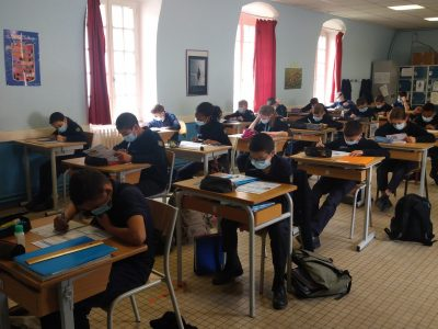 COLLÈGE MILITAIRE D'AUTUN The pupils of 6ème are working hard !