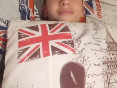 collège Adrien CADET 97425 les Avirons  I like to do english in my bed