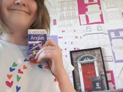 Montbazon Collège Albert Camus c'est avec ce dictionnaire que j'ai appris la plupart de mots anglais comme rainbow ici marquer sur mon teeshert