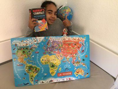 Strasbourg : Collège Foch.  Pourquoi la carte du monde ? Parce que l'anglais et la langue internationale.  Avec l'anglais, à moi le monde !!!