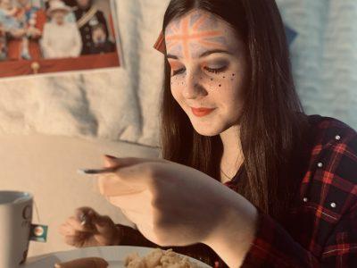 Villerupt - college Theodore Monod  Un maquillage, des photos en arrière plan et de la nourriture pour ramener cette petite touche anglaise. J'ai ramener une passion dans la photo et pris du plaisir à la faire . Thanks :-)