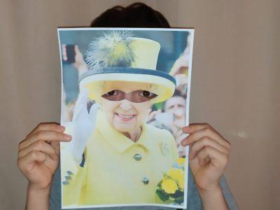 Marignane , collège G. Brassens I am the Queen Elizabeth II