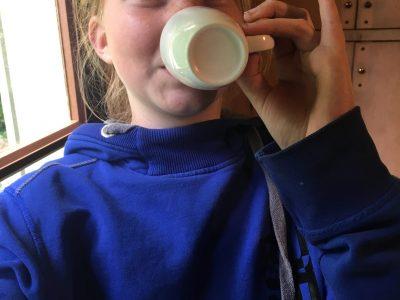 Je suis Fay Van Den Oord et je suis au collége Louis pergaud a dozulé.   Après avoir passé le Big Challenge j'avais envie de boire a cup of tea a la English!!